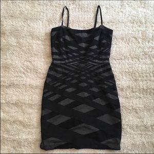 Robert R black striped mini dress Sz 4